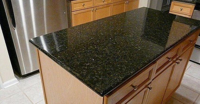 Granit inchis versus deschis  Alege nuanta perfecta pentru blatul de bucatarie