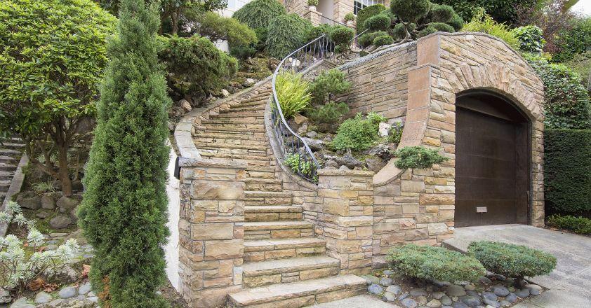 Avantajele unei case placate cu piatră naturală